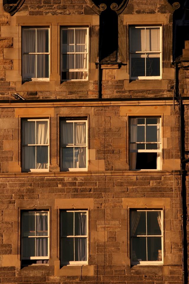 windows-1214740-640x960